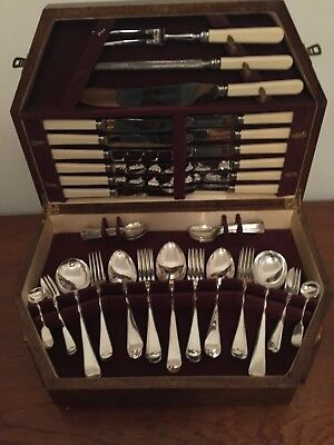 CANTEEN OLD ENGLISH SILVER PLATED CUTLERY UNUSED 61 Pcs