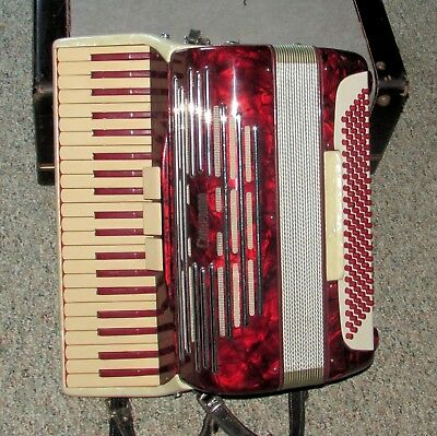 Nice Camerano Accordion by Scandalli? Made In Italy L 194/148 w/Case