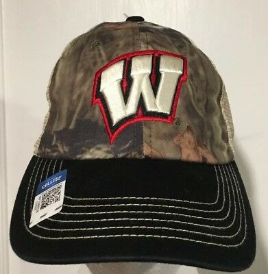 the best attitude 62a91 b1539 NEW Wisconsin Badgers Mossy Oak Hunting Trucker Mesh Camo Camouflage Hat Cap  NWT