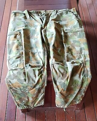 """Obsolete Australian Army Camouflage Pants – Large - size 110R (44"""" waist)"""