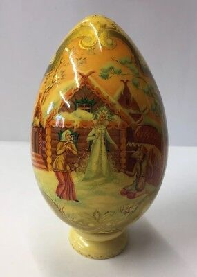 Vintage Hand Painted Russian Lacquer Egg 'Christmas Scene' Signed To Base