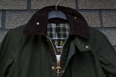 Barbour Beaufort Waxed Olive jacket Size 38 Classic