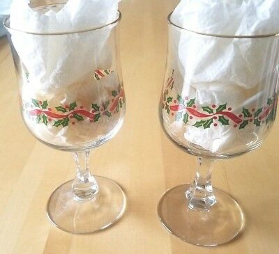 Set of 12 Stem Drinking Glasses/Goblets, Gold Trim, Holly Pattern, Excellent