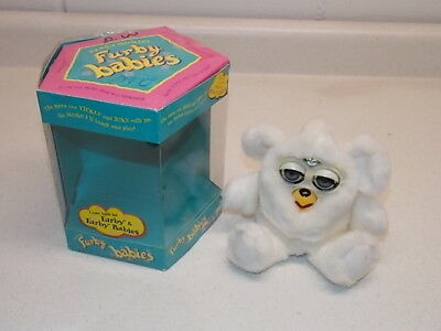 1999 Tiger Electronics Hasbro All White Furby Babies Baby With Box 70-940
