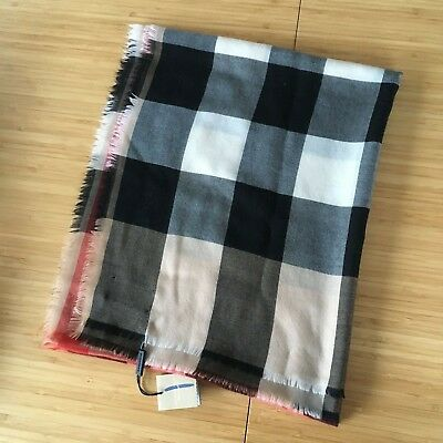 BURBERRY Lightweight Cashmere Giant Check Scarf Camel NEW Luxury Chic Unisex 8d0f454d2c6
