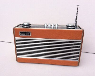 ROBERTS R25 3 Band Vintage Radio in  Near Mint Condition