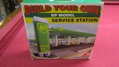 B P MODEL SERVICE STATION new in box.