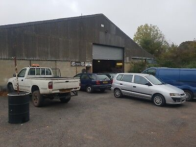 Garage and classic car restoration company with planning for MOT