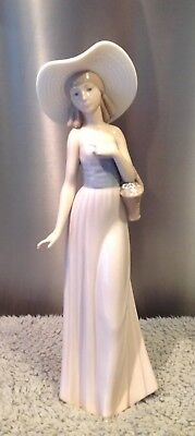 Nao By Lladro Tall Lady In Hat With Basket Of Flowers (Rare) Daisa 1985