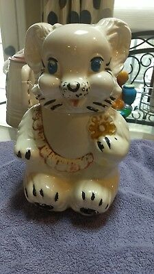 VTG 1940s Royal Ware Ceramic Bear Cookie Jar Wearing Bib & Holding Cookie 🐻❤️