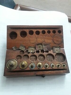 Set of Vintage BECKER Chemist Jewellers Brass Weights & Micro-weights Wood Box