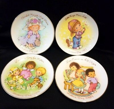 Avon 1982 Mother's Day Plate Little Things Mean A lot. JAPAN Gold Trim Vintage