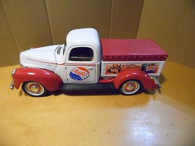 Golden Wheel 1/25 Pepsi Cola Die cast 1940 Ford Pickup Truck Bank