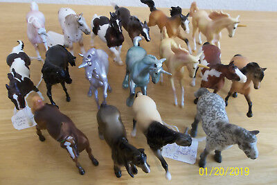 Breyer Stablemates Large Lot Of 17 Horses