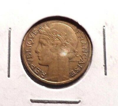 Circulated 1937 50 Centimes French Coin (112215)