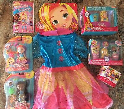 HUGE LOT Sunny Day & Rox ~ Dress Up Costume Dolls Bath Sets Play Pack & Puzzle