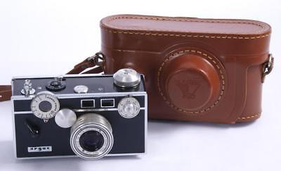 Argus C3 35mm Film Camera w/Leather Case Great Condition Working Properly - 1952