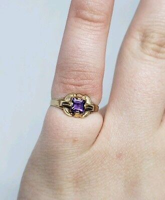 Antique Victorian 10K Yellow Gold 417 Amethyst Or Purple Glass Ring Size 3.5