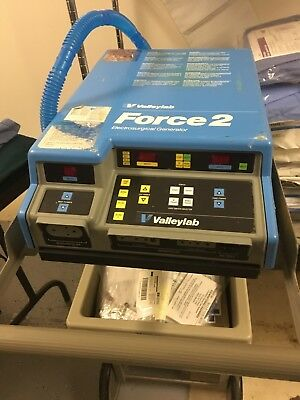 VALLEYLAB FORCE 2 Electrosurgery Generator working (2), no cautery pens
