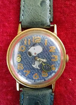 Vintage Snoopy Tennis 1958 United Feature Syndicate Hand Wind Wristwatch-Works