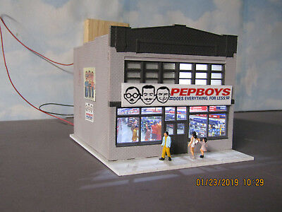 HO 1/87 Custom PEPBOYS Auto parts  Lighted with People picture detailed interior