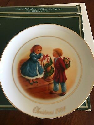 vintage collectable AVON Christmas Plate 1984 - 22k lined-approx 22cm in size