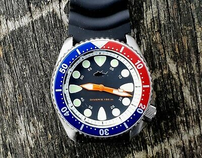 STUNNING SEIKO 7002 divers super mods, Shark Tooth dial, quartz mov't 150m  WR