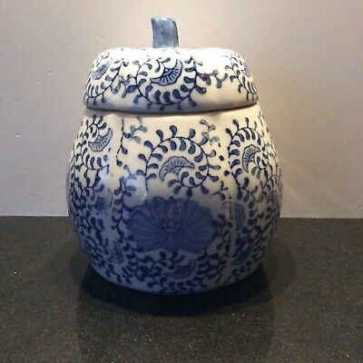 Chinese Pottery Pot Pumpkin Shape Ginger Temple Jar Lidded Blue White.