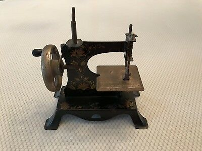 Vintage Casige Childs Toy Sewing Machine, Germany