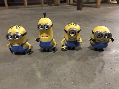 4 Minions Thinkway Toys Despicable Me Universal Studios Moving Eyes