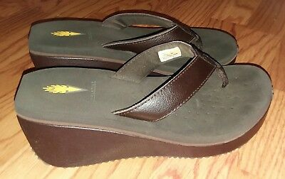 c6dc2e16525ea2 Volatile Womens Frappachino Brown Wedge Flip Flops Sandals Sz 9 Leather  Upper