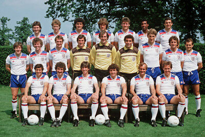 *stunning Photo* England 1982 World Cup Squad (Eng-541)