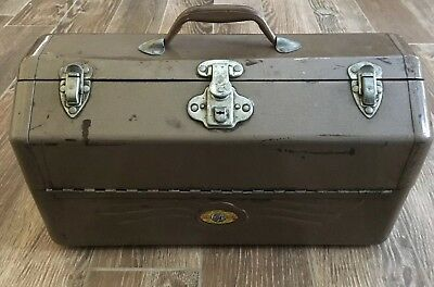 Vintage 1950's Large Metal Tackle Box Made By Simonsen Metal Products Co.