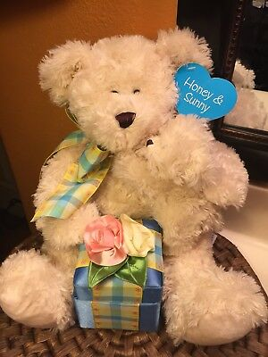 Valentine's Or Mothers Day Teddy Bear Plush Ring Display Unique So Cute 😍😍😍😍