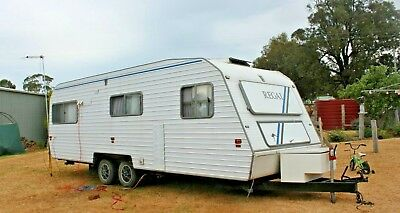 Regal Deluxe Caravan 24ft 1995 sleeps 4 USED