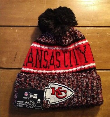 Kansas City Chiefs New Era 2018 On Field Sideline Cuffed Pom Knit Beanie  Hat Cap b12bb553d