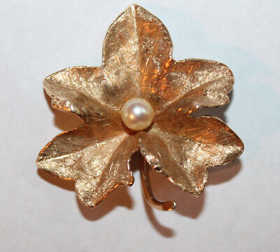 Large Vintage Solid 14K Yellow Gold 7mm Pearl Oak Leaf Brooch Pin 11.9g