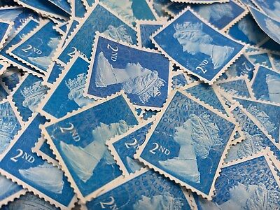 800 x 2nd Class Stamps Unfranked Off Paper No Gum With Faults Read Description