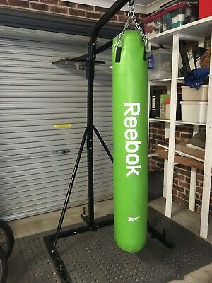 boxing bag stand 3 in 1 very good condition with Reebok punching bag