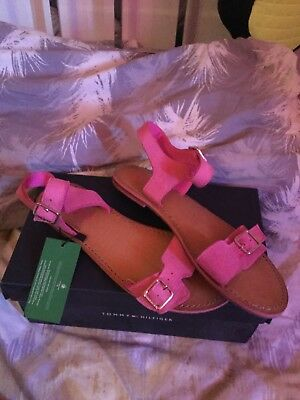 4a19dcab9943 Tommy Hilfiger beautiful hot pink size 6 sandals BRAND NEW WITH TAGS !