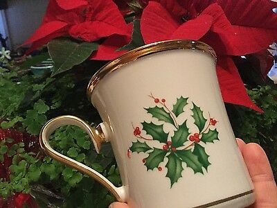 Lenox Holiday Holly Berry Coffee Tea Mug Cup Dimension Collection ~ Gold Rim