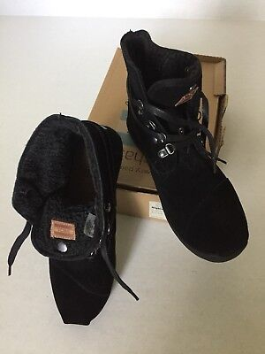 a8712432f8d TOMS BOTAS HIGHLAND Black Faux Fur Lined Coated Canvas Chukka Boot ...