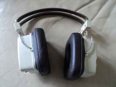 Vintage Realistic Twin Speaker AM Headphones Radio Working with 9 Volts battery