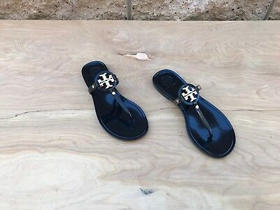 8e9dfcfbf032 TORY BURCH GOLD Bow Crystals Sandals Size -  65.00