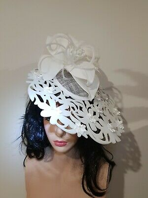 Fascinator millinery hat races wedding costume white
