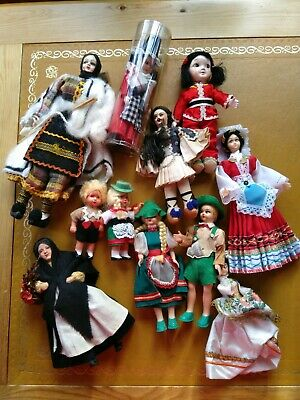 Collection of vintage dolls... Eleven in total, all in great condition