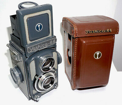 Yashica 44A, TLR for 127 Film.