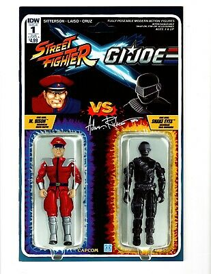 IDW Street Fighter X GI Joe #1 Action Figure Variant signed Adam Riches! NM & #2
