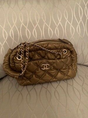 f55976bf9005 AUTHENTIC CHANEL BUBBLE Quilted Leather CC Chain Shoulder Bag Gold ...