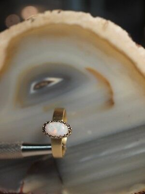 Genuine / 18Ct Yellow Gold Ladies Oval Dress Solid Opal Ring ( 0.85 Carat)